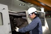 Mechanical Technician Of Cnc Machine