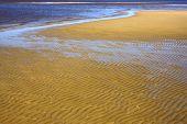 Agua y playa en el río De La Plata