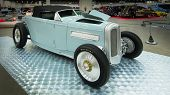 1932 Ford Roadster Interpretation