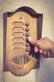 Ringing a door bell