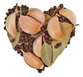 picture of peppercorns  - Garlic bay leaves and peppercorns in the form of heart on a white background - JPG