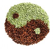 pic of yin  - Green and brown coffee beans  - JPG