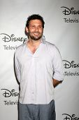 LOS ANGELES - AUG 7:  Jeremy Sisto arriving at the Disney / ABC Television Group 2011 Summer Press T