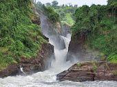 idyllische Kabalega falls
