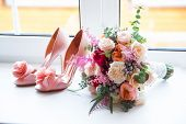 picture of morning  - Wedding accessories for the morning of the bride in pink  - JPG