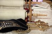 picture of rabbi  - Torah scrolls - JPG