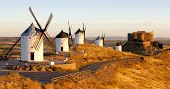 windmills with castle Consuegra