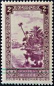 carimbo imprimido na Argélia mostra Rio Oued em Colomb-Bechar