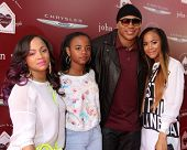 LOS ANGELES - APR 13:  LL Cool J, Family at the John Varvatos 11th Annual Stuart House Benefit at  J