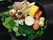 The Vegetable Set For Shabu, Mushroom, Sweet Corn