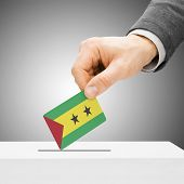 Voting Concept - Male Inserting Flag Into Ballot Box - Sao Tome And Principe