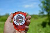 pic of compasses  - Compass in hand - JPG