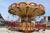 Lynns Trapez Flugkarussell in Coney Island Luna Park