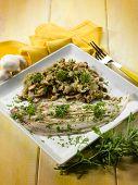 sole fish with sauteeed mushroom