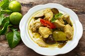 image of curry chicken  - green curry with chicken  - JPG