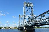 pic of memorial  - Memorial Bridge is a through truss lift bridge build in 1923 across the Piscataqua River between Portsmouth - JPG