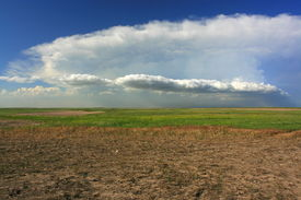 picture of western nebraska  - Tornado producing storm cloud over western Nebraska - JPG