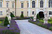 Eingang zum barocken Stift Altenburg, Niederösterreich