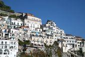 Casas tradicionales en Amalfi, Costiera Amalfitana, Italia