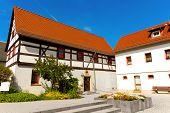 Fachwerk Haus in Deutschland blauen Himmel