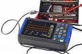 Compact Digital Storage Oscilloscope