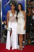 Los Angeles - AUG 16:  LisaRaye McCoy, Victoria Rowell arrive at the