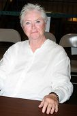 LOS ANGELES - AUG 18:  Susan Flannery at the book signing for William Bell Biography at Barnes & Nob
