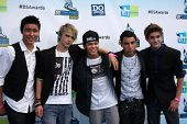 LOS ANGELES - AUG 19:  IM5 Band arrives at the 2012 Do Something Awards at Barker Hanger on August 1