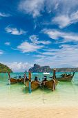 pic of koh phi-phi  - Paradise beach of Koh Phi Phi in Thailand - JPG