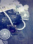 picture of vintage jewelry  - vintage handbag with accessories  - JPG