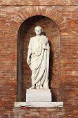 pic of senators  - Statue of a roman Senator located in Quirinale Square - JPG