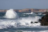 vista da costa da praia, no Algarve, Portugal - Praia da Barriga, perto de Aljezur