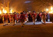 Soldados marchas en Colonial Williamsburg