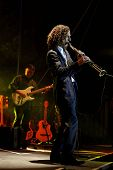 TEMECULA, CA - SEP 12: Kenny G performs at a concert at the 'Rhythm on the Vine' charity dinner to b