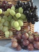 red,green grapes