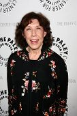 LOS ANGELES - JUL 16:  Lily Tomlin arrives at