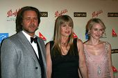 Russell Crowe with Terri Irwin and Naomi Watts at the G'Day USA Penfolds Black Tie Icon Gala. Hyatt