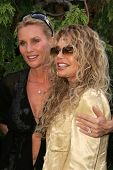 Nicolette Sheridan and Dyan Cannon at 2006 Safari Brunch Fundraiser For The Wildlife Waystation. Pla