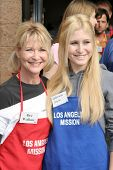 LOS ANGELES - NOVEMBER 22: Dee Wallace and Gabrielle Stone at The Los Angeles Mission Thanksgiving M