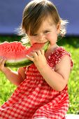 Girl eating Wassermelone