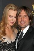 LOS ANGELES - 27 de JAN: Nicole Kidman, Keith Urban chega o AUSTRALIAN INTERNATIONAL AW da Academia