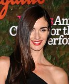 LOS ANGELES - OCT 17:  Paz Vega arrives to the Wallis Annenberg Center for the Performing Arts Gala