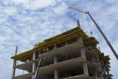 picture of trussle  - Construction of a new building - JPG