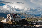 (Xigatse) Shigatse Dzong, tibet