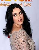 LOS ANGELES - DEC 02:  Katy Perry arrives to Trevor Project Honors Katy Perry  on December 02, 2012