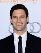 LOS ANGELES - DEC 02:  Justin Bartha arrives to Trevor Project Honors Katy Perry  on December 02, 20