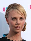 LOS ANGELES - JAN 12:  CHARLIZE THERON arriving to Critic's Choice Movie Awards 2012  on January 12,