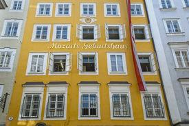 pic of mozart  - Mozart - JPG