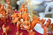 Russian clay handicraft figurines at the fair