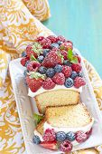 image of pound cake  - Fresh berry cake with strawberry - JPG